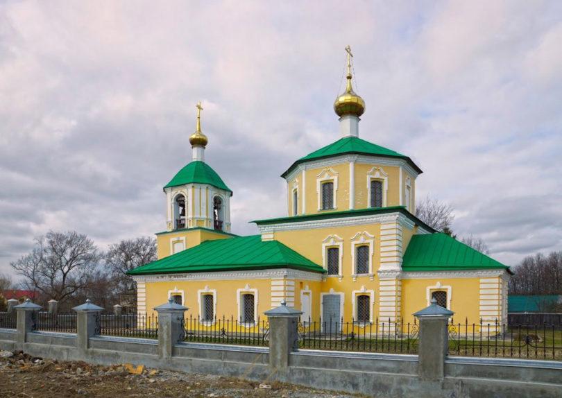 Церковь в честь иконы Казанской Божией Матери в поселке Власьево